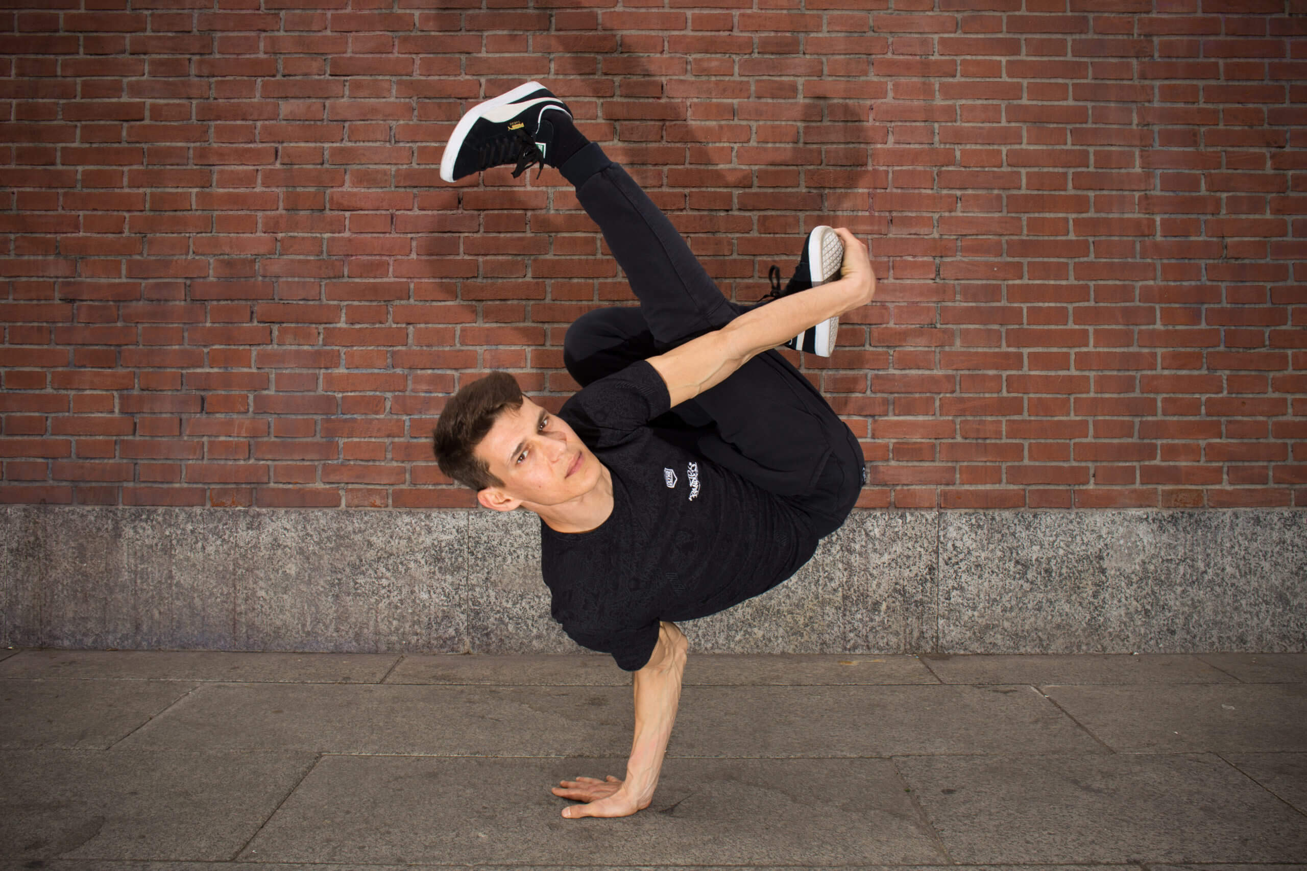 Breakdance-milano-ballerino-hiphop-danza-Mad Lucas